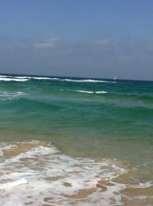 גם בים צריך להיאבק בגלים